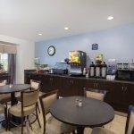 Photo de Microtel Inn & Suites by Wyndham Klamath Falls