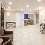 Photo de Baymont Inn & Suites Texarkana