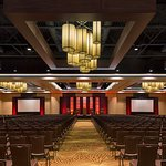 Discover over 100,000 square feet of indoor and outdoor San Antonio meeting space.