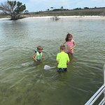 Snorkeling do fishing