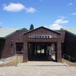 博物館正面玄関。大人1名の入場料は300円。