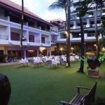 Photo de Patong Beach Hotel