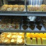 Panadería y repostería de alta calidad. Servicio de excelencia de parte de sus empleados. Recomi