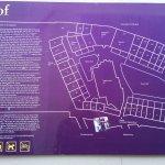 Begijnhof -zoom the sign for info