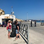 Fira New Harbor - this may or may not be the right line to stand in