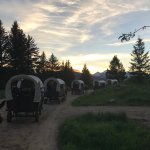 Foto de Bar-T-5 Covered Wagon Cookout