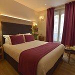 Hotel Renoir Photo