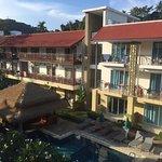 Photo de Baan Karon Resort