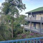 Foto de Thaniza Beachfront Resort