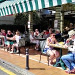 Enjoy the sun while eating great pizza!