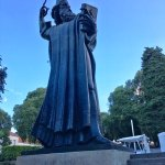 Grout Ninski Statue
