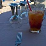 Cocktail de jus de fruits offert