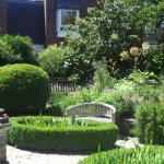 Scaplen's Court Gardens