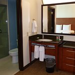 Hyatt Place SLC -- Convenient Split Bath