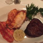 Frankie & Johnnie's Steakhouse resmi