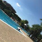 Ottimo hotel! Il parco con le piscine è stupendo. Hotel accogliente dotato di tutti i confort.
