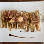Rougets de la pêche locale - Les couteaux gratinés - Poulpe grillé et caviar d'aubergine - Blini