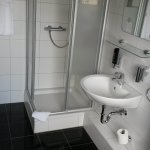 Das moderne Bad im Zimmer 253