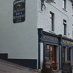 lovely seafood pub in roundstone