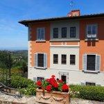 Photo de Villa Torre Rossa Apartments