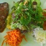 gute frische Salate mit kleinem Entre-Cote medium gebraten hat fantastisch geschmeckt !