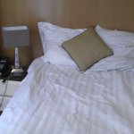 Chambre très petite, sentiment d'enfermement.