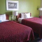Photo de Days Inn & Suites Fort Myers near JetBlue Park