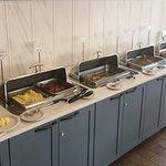 Best Western Plus InnTowner - Madison, Wisconsin - Hot breakfast area