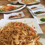 Pad Thai with condiments