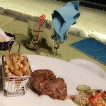 Restaurant vu mer, les produits sont bon. Je n'ai rarement manger une viande aussi tendre, perso