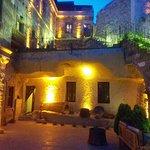 Vineyard Cave Hotel Resmi