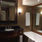 Standard bathroom with shower & tub