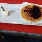 Crème brûlée, boule de glace fromage blanc