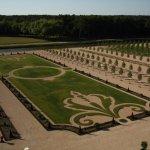 Les jardins à la française du parterre Nord depuis les terrases du château.