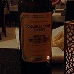 accompagné d'un bon vin de Meknés !