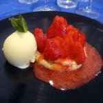 macaron de fraises, sorbet ananas