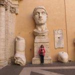 Restes d'une immense statue de Constantin.