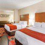 Comfort Suites Vancouver Photo