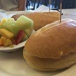 Brie sandwich w/fresh fruit