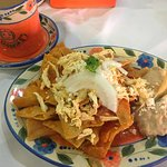 Chilaquiles y Cafe