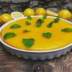 Tarta cytrynowa z musem z mango na deser