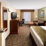 Photo de Best Western Plus Vancouver Mall Drive Hotel and Suites