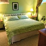 Photo de Inn at Charlotte Bed and Breakfast