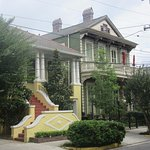 Raised Basment House & Townhouse