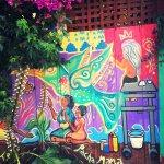 Foto de Balmy Alley Murals