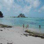 Beach - Le Relax Hotel and Restaurant Mahe Photo