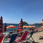 Free beach chairs at Il Faro for guests of the hotel with a view of Sant'Angelo