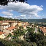 Panorami sulla Valdichiana e parte dell'abitato