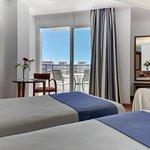 Photo de Hotel Puertobahia & Spa