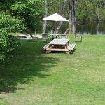 Picnic area, Volleyball, Fishing, bonfire... nice family area